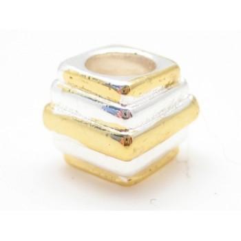 Guld / sølv perle 9 / 4 mm