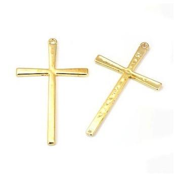 Kors hamret i guld 61 mm