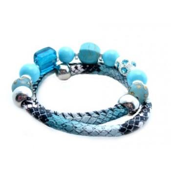 Wire armbånd i turkis med masser af perler og stene