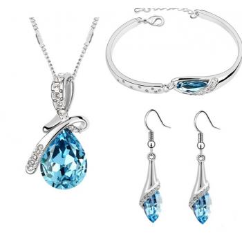Smykkesæte med blå krystaller
