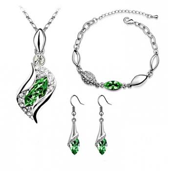 Smykke sæt med grønne krystaller